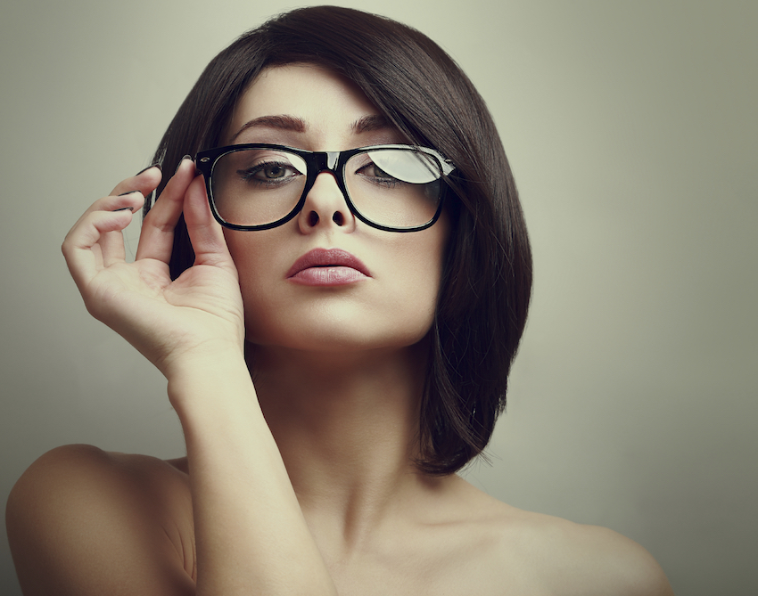 how to look cute with glasses